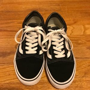 Barely worn Vans Old Skool size 7